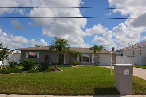 3915 Coconut Terrace Bradenton FL 34210