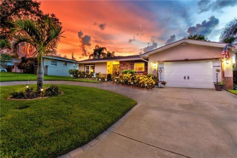 1524 Picardy Circle Clearwater FL 33755