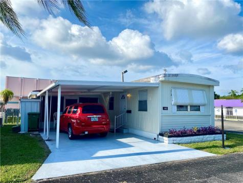 1402 24th Avenue Drive W Bradenton FL 34205