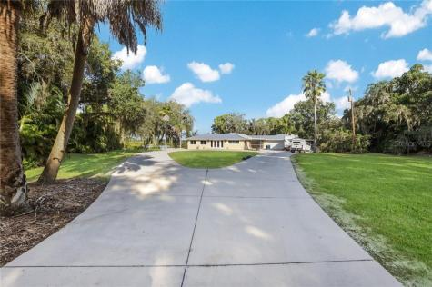 2112 57th Street E Bradenton FL 34208