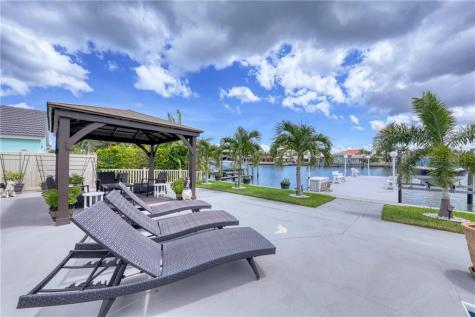 25 Midway Island Clearwater FL 33767