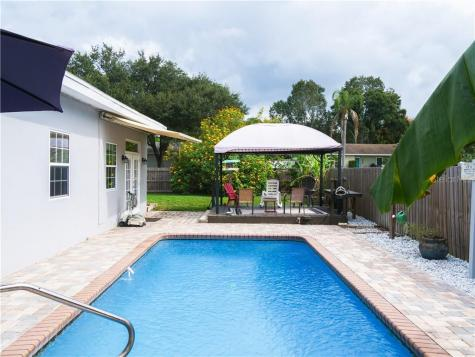 1677 Pinewood Drive Clearwater FL 33756