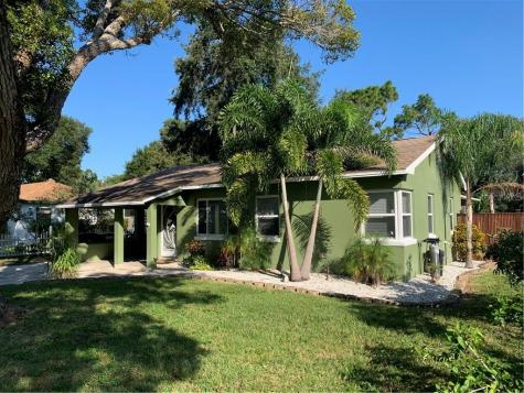 1362 Admiral Woodson Lane Clearwater FL 33755