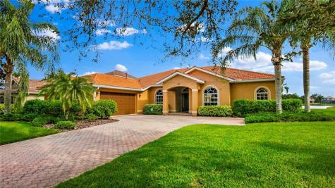 219 Dove Trail Bradenton FL 34212
