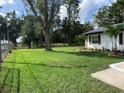 2526 Dad Weldon Road Dover FL 33527