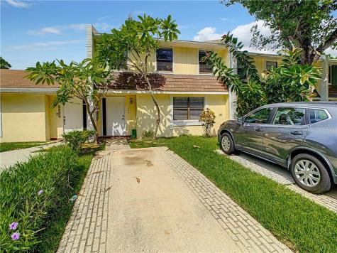 1206 Abbey Crescent Lane Clearwater FL 33759