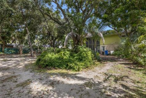 2705 Riverview Boulevard Bradenton FL 34205