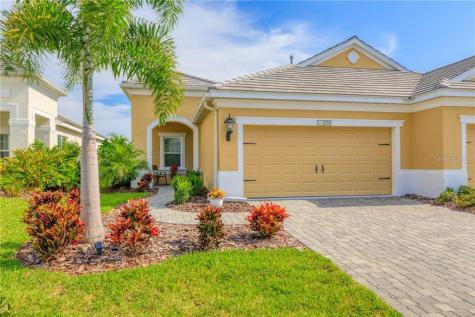 2059 Crystal Lake Bradenton FL 34211